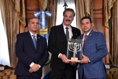 President Morales of Guatemala Receives the Friends of Zion Award