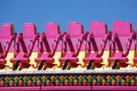 Impacts of amusement parks on tourism