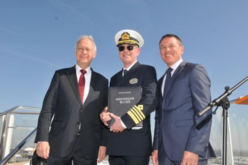 Norwegian Cruise Line recibe el crucero Norwegian Bliss