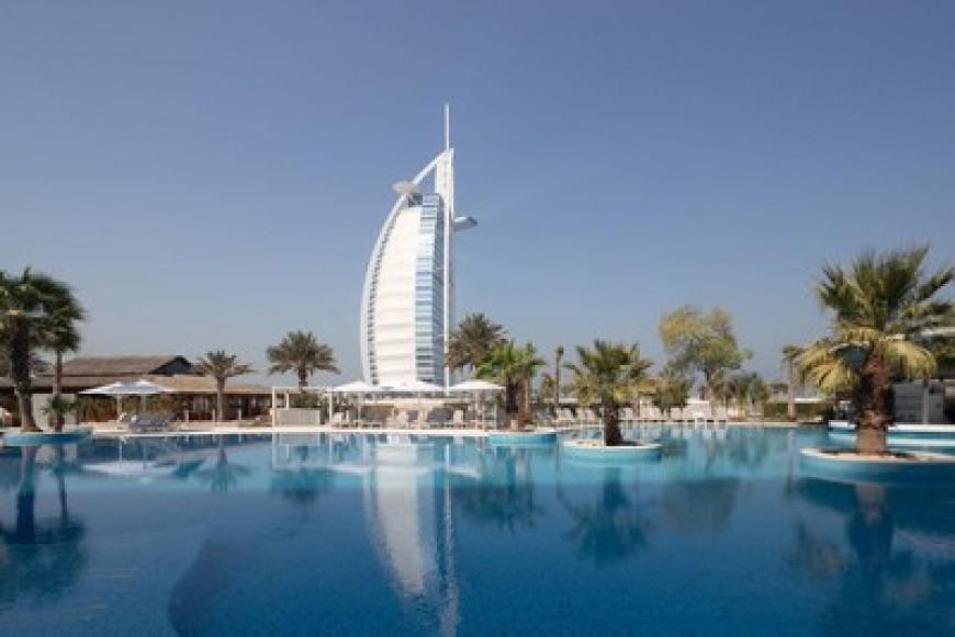 Jumeirah Beach Hotel reabre sus puertas tras una restauración de cinco meses